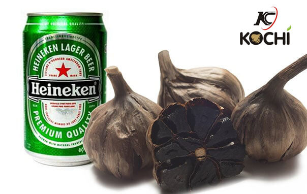 Dùng bia dễ làm tỏi đen bị ướt