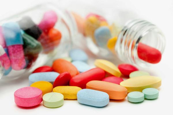 tác hại của tỏi đen làm ảnh hưởng đến việc sử dụng các loại thuốc điều trị