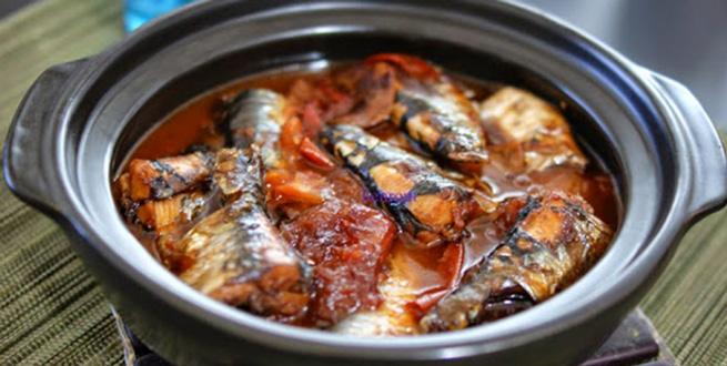 chế độ ăn cho người tiểu đường từ cá mòi
